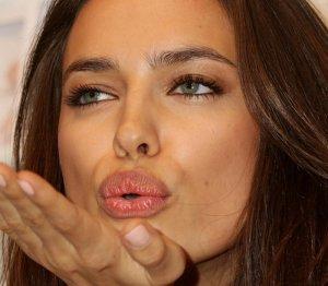 Adriana Lima mı? Irina Shayk mi?