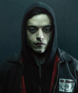 Mr. Robot mu? Who Am I mı?