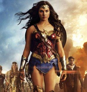 Hangi film Wonder Woman mı? Logan mı?