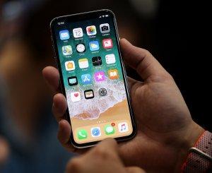 Arkadaşlar telefonumu değiştireceğim ama hangi telefonu alacağıma karar veremedim. Sizce hangisini almalıyım? Neden?
