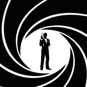 James Bond mu? Görevimiz Tehlike mi?